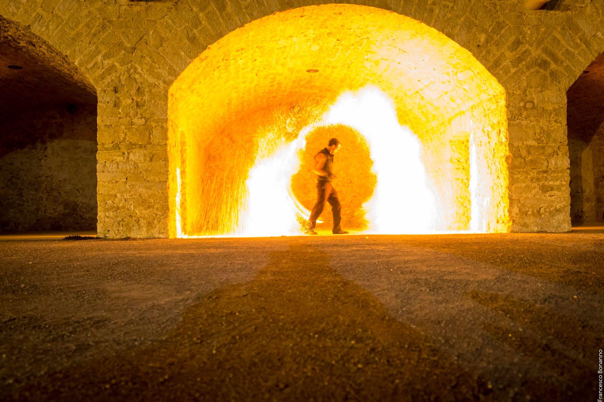 Compagnie Arteflammes Cie, art et flammes, artistes, et spectacle de rue, spectacle de feu, fire show, spectacle pyrotechnique, pyrotechnie, événementiel, event performer, performeur