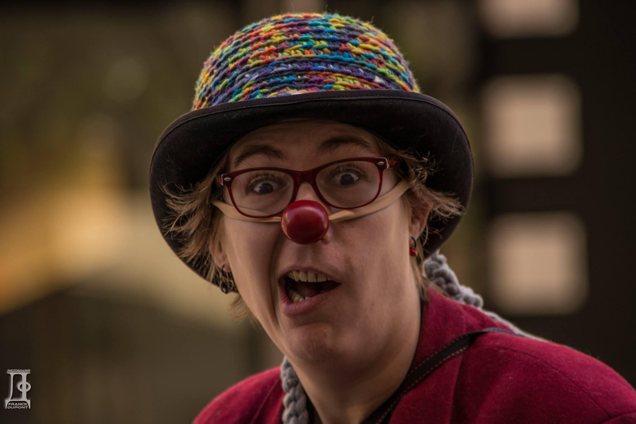 Clown, déambulations de clown, spectacle de clown, nez rouge, spectacle drôle, spectacle enfant, magie, comique Nice, Cannes, Monaco