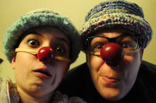 Déambulation clown et spectacle de rue, spectacle clown, magie, jonglage, Nice