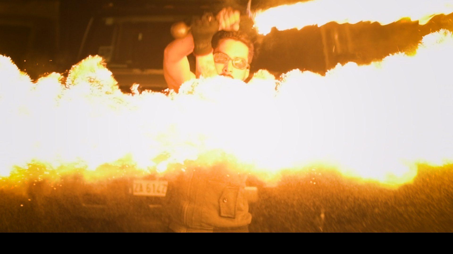 Compagnie Arteflammes natole Jongleur de feu, spectacle de feu, épée de feu, spectacles pyrotechniques, pyrotechnie, art du feu